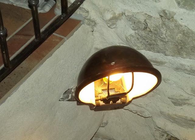 LAMPE réalisée avec un ancien abreuvoir à vache